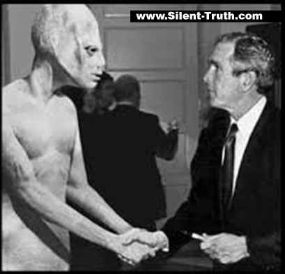 Clinton_and_Bush_ Alien_Image_1