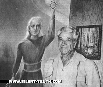 جورج آدامسکی به همراه تصویری هنری از یک ناهیدی