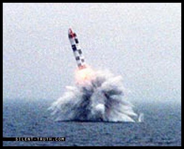 موشک بولاوا که می تواند شش کلاهک هسته ای حمل کند.
