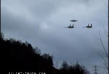 TWO-MILITARY-JETS-CONVOY-AN-UFO-IMAGE2